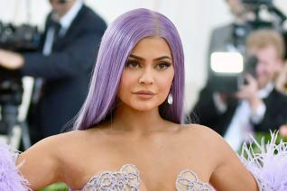 Kylie Jenner Rig Herself into Floral Dior Bikini