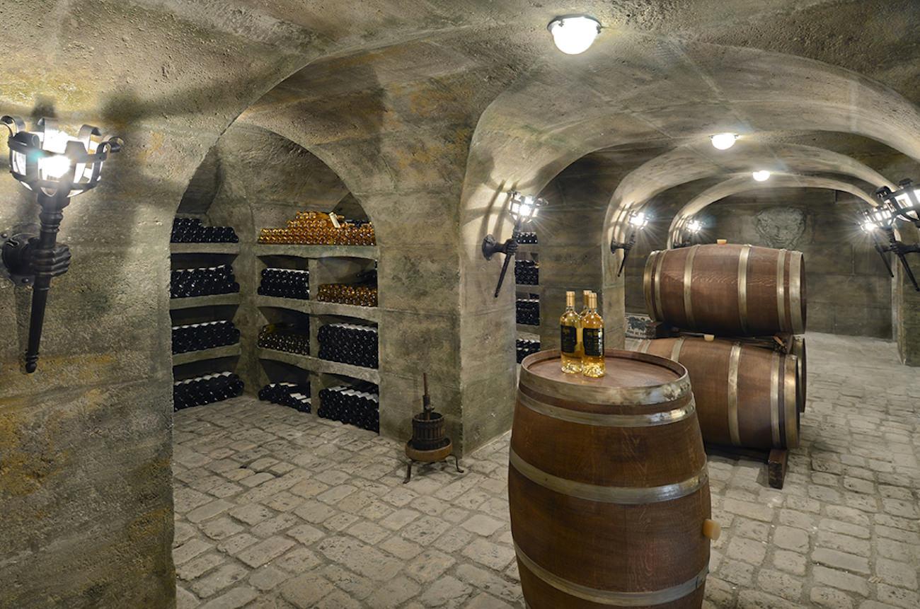 A discrete and massive wine cellar