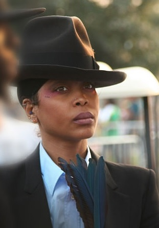 "Erykah Badu  Net Worth 2018 – The ""First lady of Neo-Soul"" and her surprising wealth"