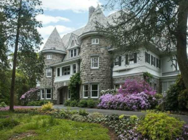 Want to see the most expensive house in America?