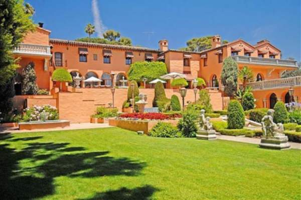 'Godfather' house for sale — $135 million or 'offer they can't refuse'
