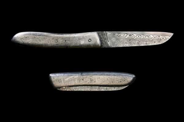 pocket-knife-made-of-meteorite